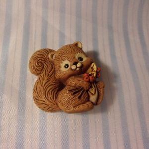 Vintage Hallmark Plastic Autumn Squirrel Pin 1982